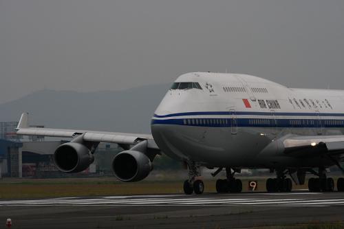 CCA B747-4J6P@RWY14Rエンド(by EF100-400)No.4