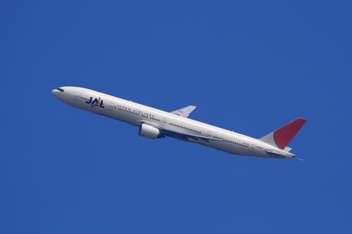 JAL B777-346 JL2001@自宅2階(by EF100-400)