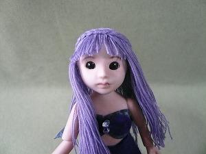 薄紫の髪の子