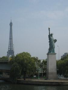 エッフェル塔と自由の女神