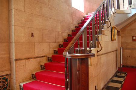 自泉会館(階段)