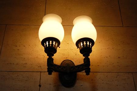 自泉会館(照明)