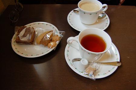 自由学園明日館(紅茶・クッキー)