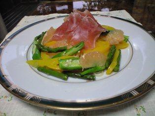 生ハムと野菜のパスタ