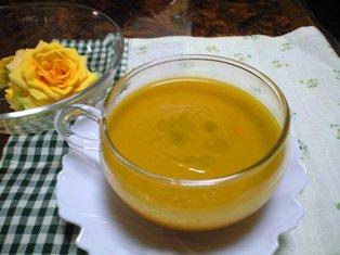 冷たいどっさり野菜スープ