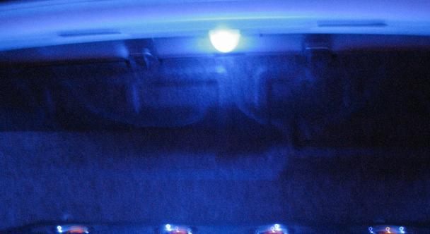 トランク内LED