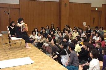 学研・大森/絵本の読み聞かせ