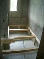 浴室床の根太