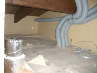 屋根裏の配管