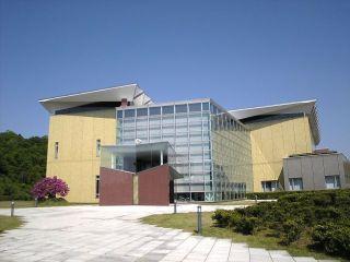 新津美術館4
