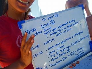 シミランのダイビングクルーズ 食事