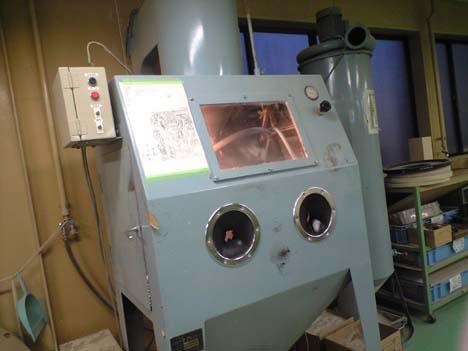 高山 プレート作業②ブラストの機械B