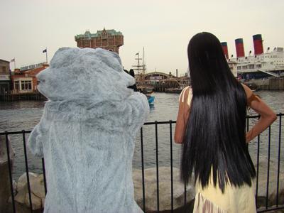 ポカホンタス・ミーコ ケープ 海を眺める