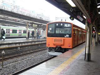 201系中央線・神田にて