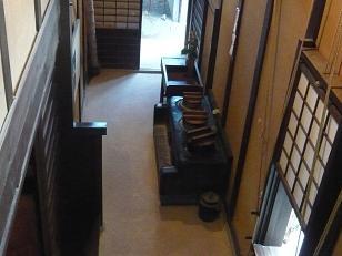 格子の家の台所