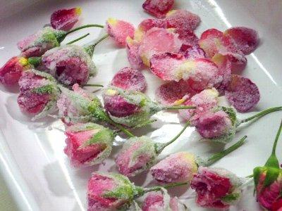 グラスライジングしたバラ