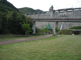 小川の公園 005