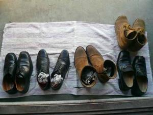 くたびれた靴たち