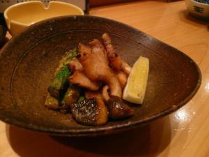 つぶ貝とえりんぎ、アスパラの炒め物
