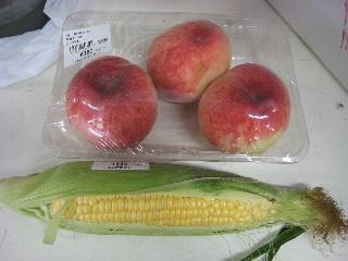 桃と玉蜀黍