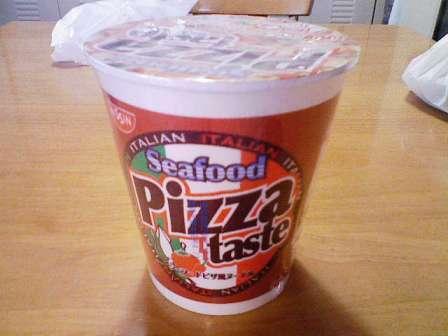 シーフードピザ風ヌードル1