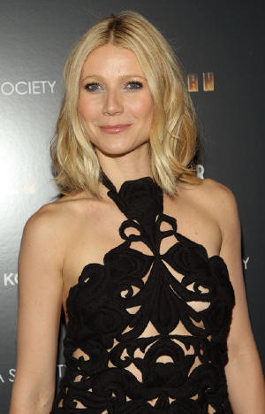 gwyneth-paltrow-nyc-4288-9.jpg