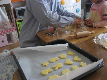 父と娘でクッキー作り1