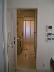 080317キッチンより洗濯室&洗面.jpg
