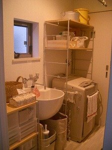080208洗濯室キッチン側から.jpg