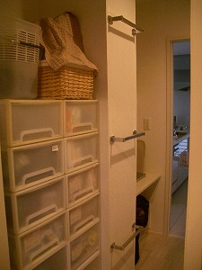 080208洗濯室収納.jpg