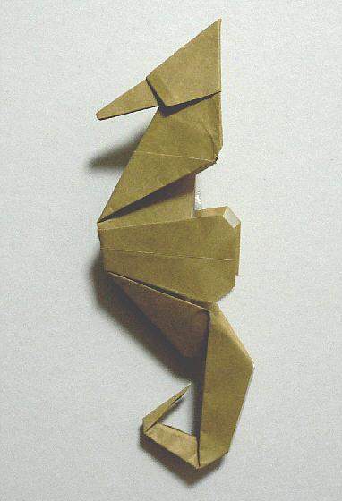 折紙タツノオトシゴ