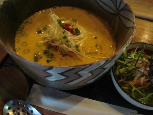名物坦々麺