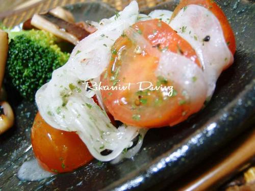 ミニトマトと新玉ねぎのサラダ