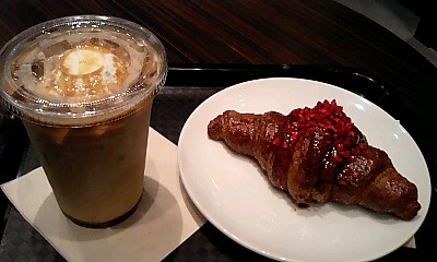 ご満悦w@Cafe CROISSANT