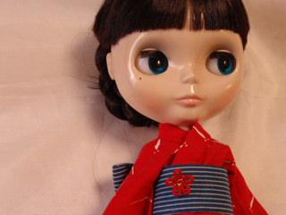 黒髪のブライスちゃん 赤の浴衣 アップ
