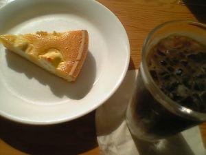 080608カフェMUJI・チーズケーキとカフェオレ