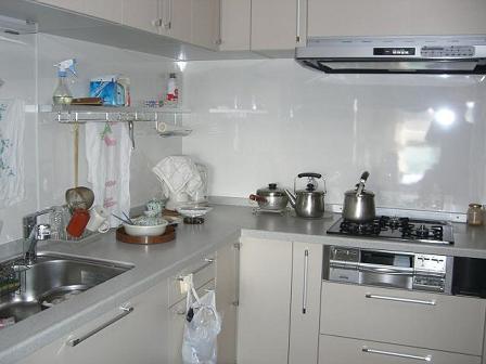 高田邸キッチン完成1