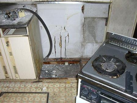 池上邸キッチン解体中