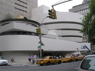 Guggenheim_museum_R.jpg