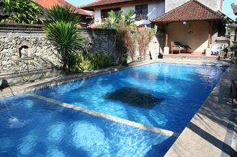 ワルサ・ガーデン・バンガロー(ロスメン)のプール