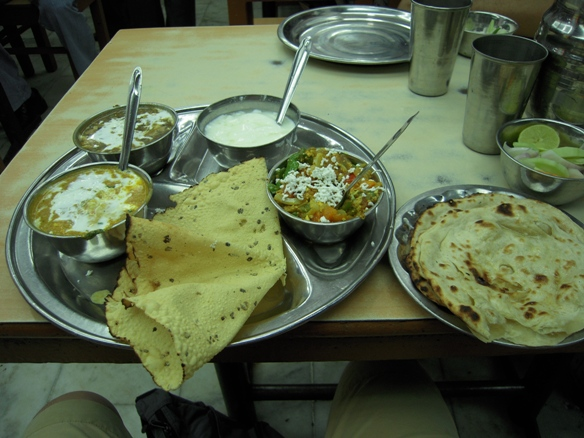 インドでの最初の食事