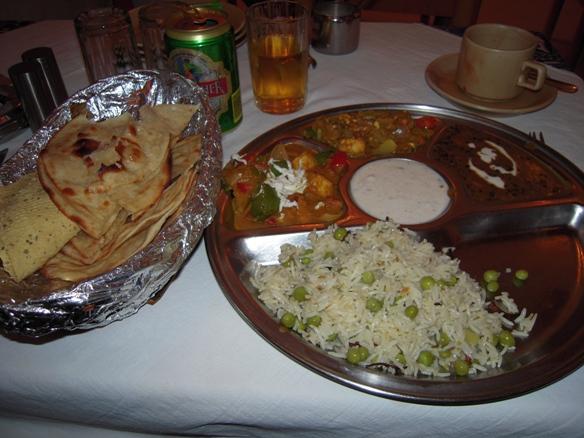 マヤ・ホテルの夕食