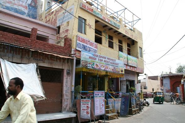 タージマハル周辺の食堂2