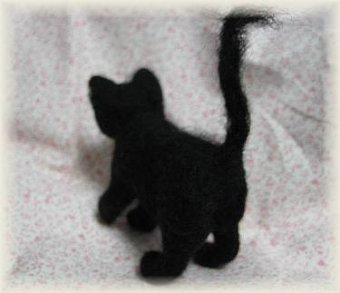 羊毛フェルト☆黒猫製作中
