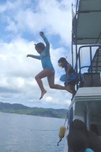 飛び込み子供
