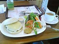 カフェグローブのチーズバーガー