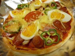 080411 トマトソースのピザ
