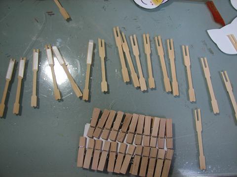 材料は木と紙です