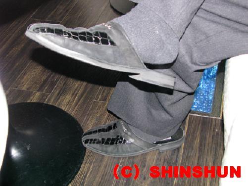 shoes002.jpg