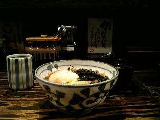 上野にある東京牛丼にて牛力丼白004